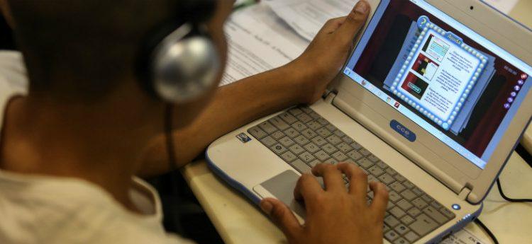 Formação do professor é o maior desafio para uso de tecnologia, mostra estudo
